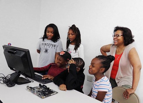 Read more about Computer Camp Promotes STEM Study for Girls: 2020 Nation of Neighbors℠ Grant Recipient